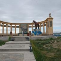 212 1338 HF Arvakheer_ monumento cavalli nadaam