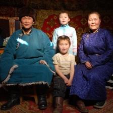 212 1390 HF centro Mongolia famiglia mongola